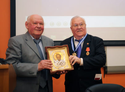 ПРЕЗИДЕНТ АГТУ Ю. Т. ПИМЕНОВ ОТМЕТИЛ 75-ЛЕТНИЙ ЮБИЛЕЙ